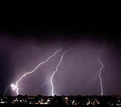 lightning2nik.jpg