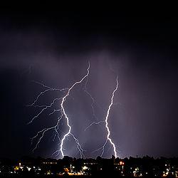 lightning3nik.jpg