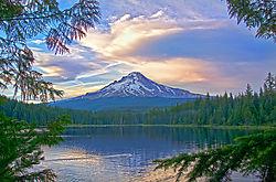 Mt_Hood_from_Trillium_Lake-2-small.jpg