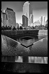 TWIN_TOWERS_MEMORIAL_1183R.jpg