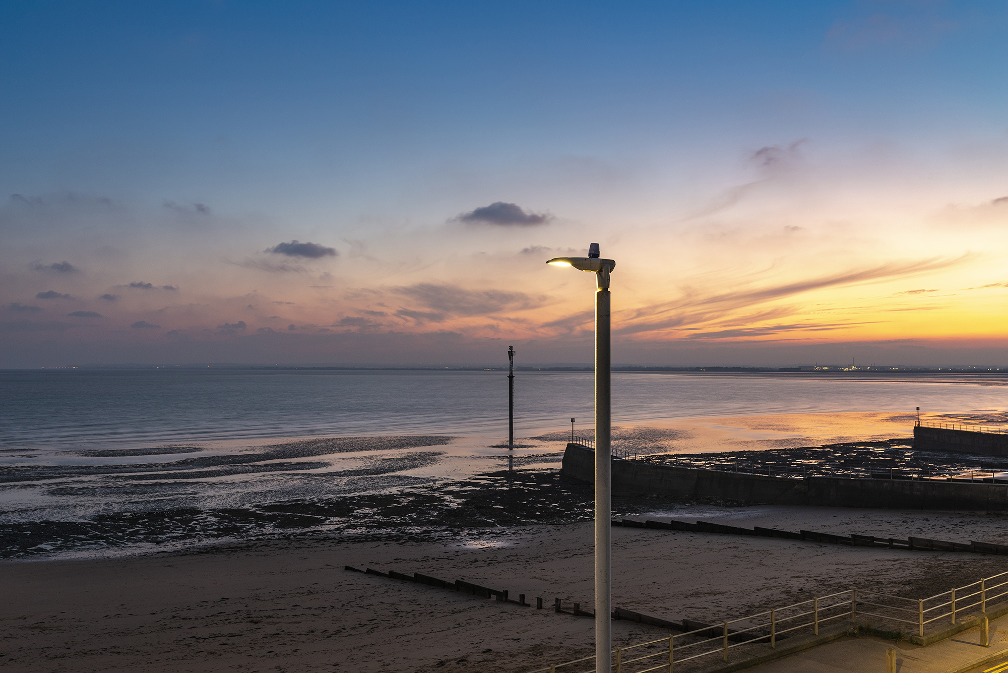 Ramsgate-Lampost_and_Marker_Western_Undercliff_Beach_at_Sunset-1049
