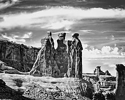 Arches_National_Park_-_Three_Gossips.jpg
