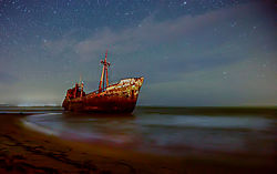 Githio_shipwreck_in_the_darkness_2_1024w.jpg