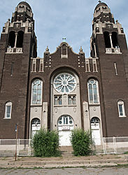 Masterpiece_of_Divinity_Church_-_SW_Detroit.jpg