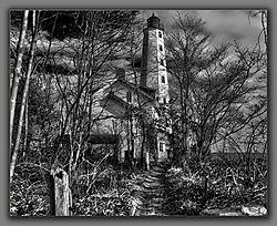 NL-Lighthouse-BW.jpg