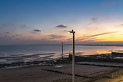 Ramsgate-Lampost_and_Marker_Western_Undercliff_Beach_at_Sunset-1049.jpg