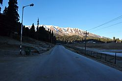 Road_to_heaven-Gulmarg.jpg