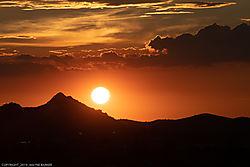 Sunset-in-the-Desert_2019-8-01.jpg