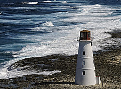 nassau_harbor_lighthouse.jpg