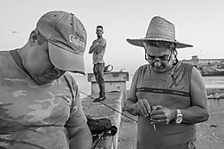 fishermen_along_the_malecon-5039.jpg
