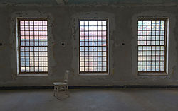 Ellis_3windows_chair_1800.jpg