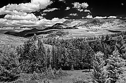Lamar_Valley_in_YNP-1_Jul_04_2013.jpg