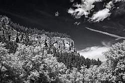 Spearfish_Canyon-1_Jun_26_2013.jpg