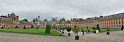 Palace_of_Fontainebleau_1.jpg