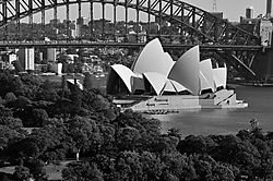 Sydney_Opera_House_25th_April_2009_web.jpg