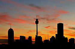 Sydney_sunset_1_May_2009_w.jpg