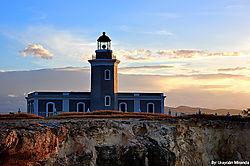 Faro-Cabo-Rojo-Amaneciendo-640.jpg