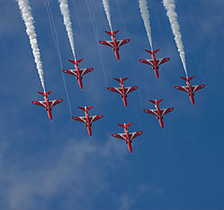 AJE-20090619-151335-1289_-_Red_Arrows_formation.jpg