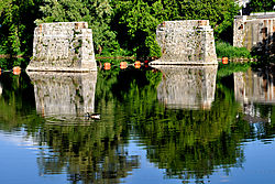 bridge_pillars_at_Elora_Falls.jpg