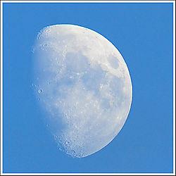 1Kpx_Daylight_Moon_03.jpg