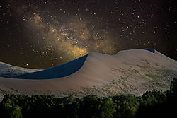 Sand_dune_and_milky_way_composite_Layers.jpg