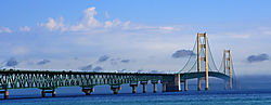 Mackinac_Bridge_8-2009.jpg