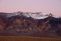 Eastern-Sierra_Red-Rock-Can.jpg