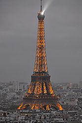 Eiffel_Tower_at_Dusk1.jpg