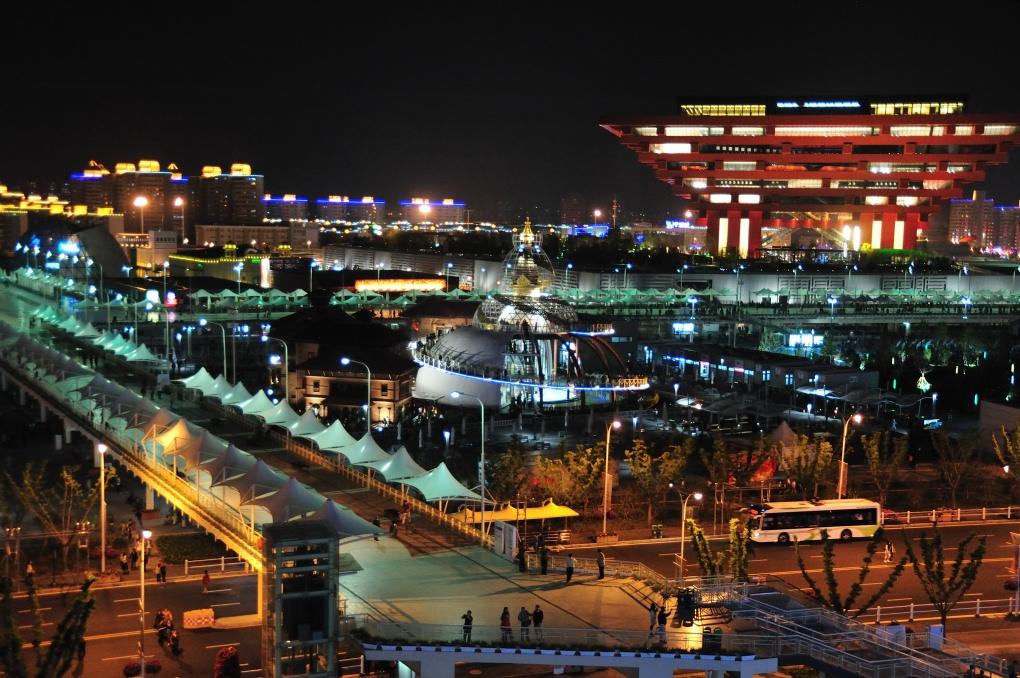 expo_302_-_nightime_-_china_2_