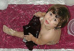 DSCN1093aSara_bathtub.JPG