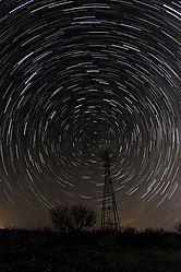 StarTrails_03-29-2012s.jpg