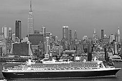 CunardQueenMaryII_0234Nik.jpg