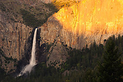 Bridalveil_Sunset.jpg