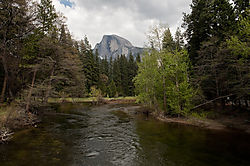 Merced_River_and_Half_Dome.jpg