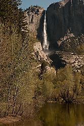 Yosemite_Falls_Merced_River.jpg