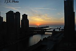 Sunrise_Over_Navy_Pier_copy.jpg