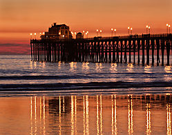 Sunset_at_Oceanside_Pier.jpg