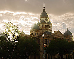 Courthouse_at_Sunset.jpg