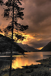 Sparks_Lake_sunset.jpg