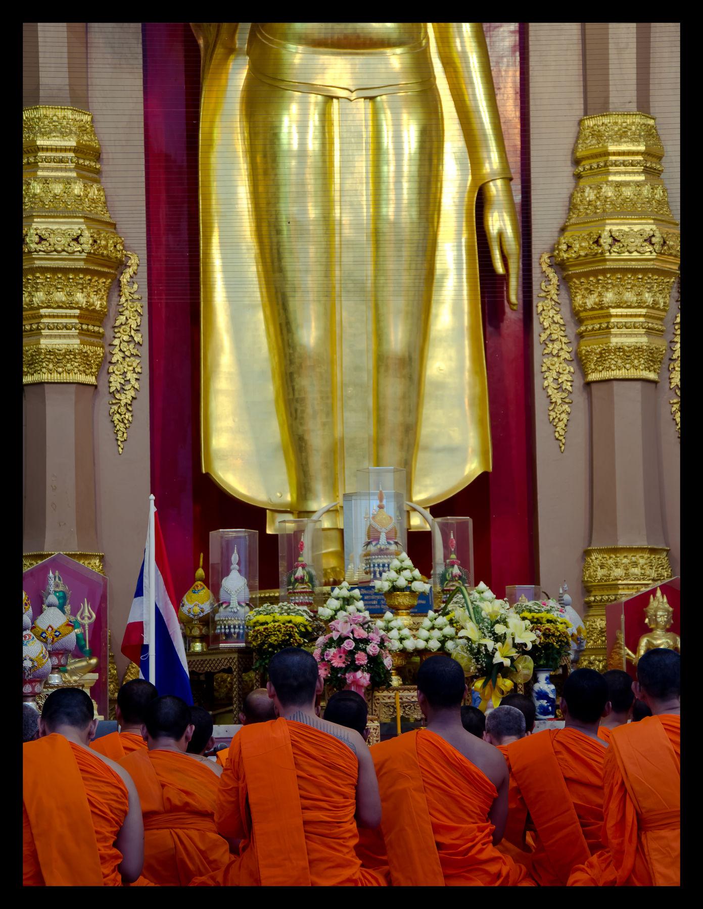 Monks_at_wat