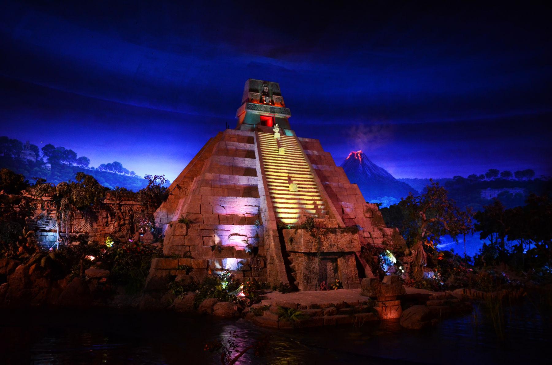 Mexico Pyramids Inside Pyramid at Mexico's Pavilion
