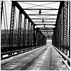 Grand_River_Bridge_lr.jpg