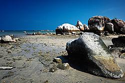 stones_over_the_sea.jpg