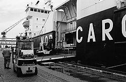 Neopan1600_27_1997_Cuxhaven_Schiffsbeladung_web.jpg