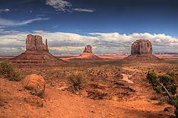 Monument_Valley_View.jpg