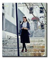 Young_Lady_in_the_Plaka.jpg