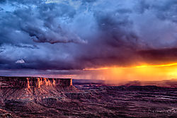 Canyonlands_Sunset_111004.jpg