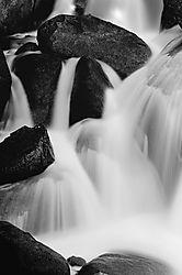 B_W_Water_Rocks_11-5-261.jpg
