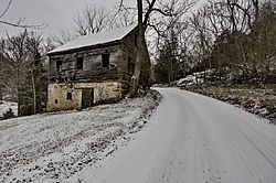 Old_Barn-Snowy_Afternoon.jpg