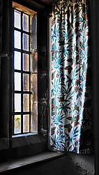 Window_Curtains_at_Lindisfarne_Castle_Keep_DSC3280-1024.jpg